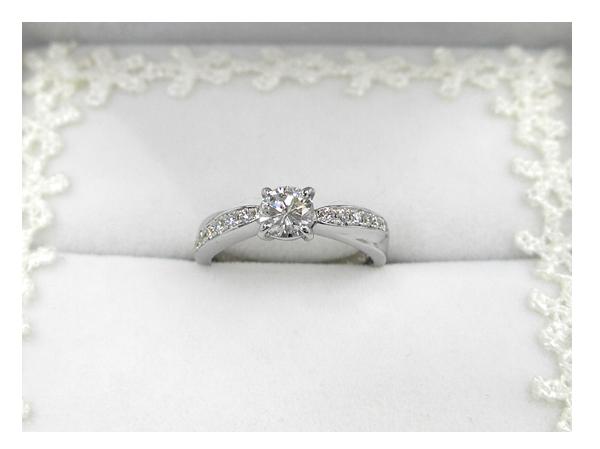 お母さまの婚約指輪を作り変えて、お嫁さんに贈られたダイヤモンド