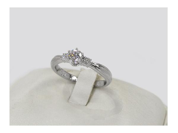 リフォーム前。これからリフォームする婚約指輪