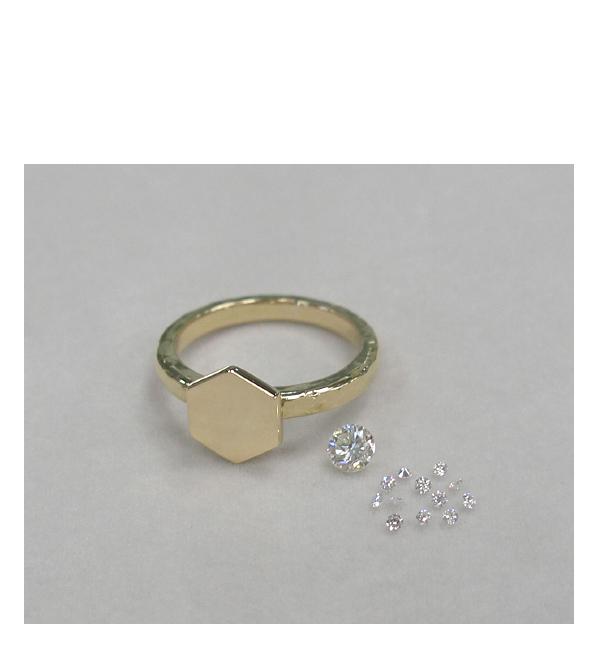 製作途中の六角形のダイヤモンドリング